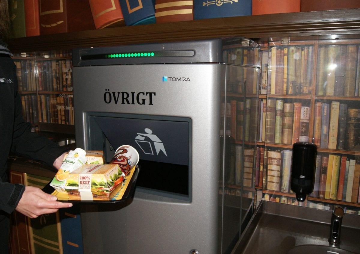 compacteur de déchets TOM - ouverture automatique
