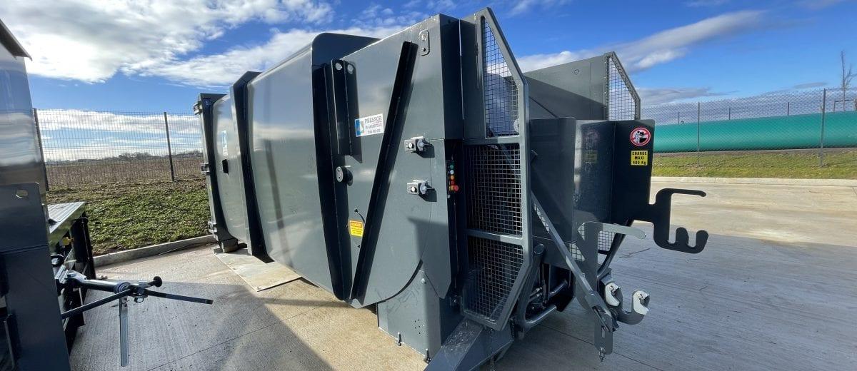 Compacteur de déchets à pelle automatisé